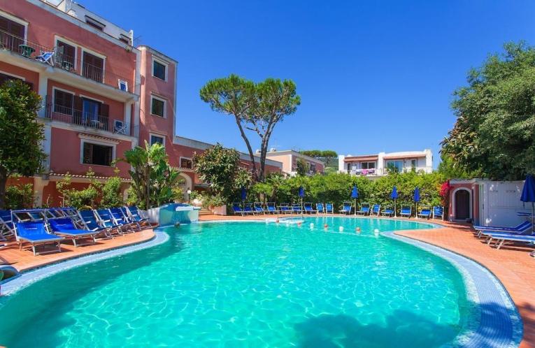Hotel terme san valentino ischia porto 4 stelle for Soggiorno a ischia