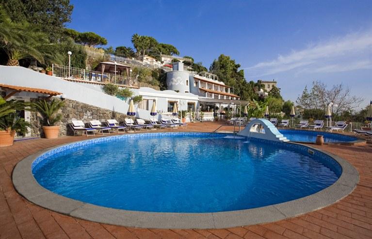 Hotel delfini ischia porto 4 stelle - Hotel con piscine termali all aperto ...